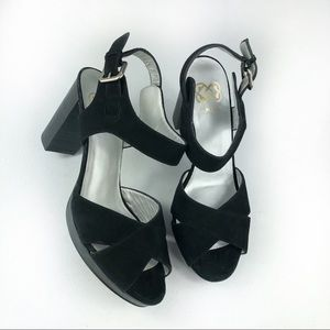 Ukies Cut out Peep Toe heeled Sandals Size 7M